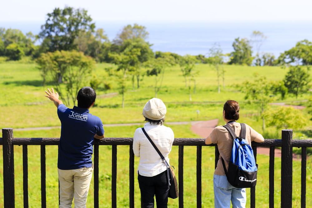 Guides to Jomon culture in Hakodate