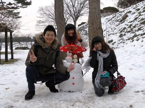 Winter in Hakodate is romantic.  Let's enjoy the illumination and snow
