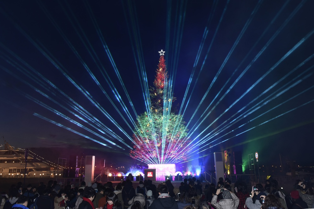 Hakodate Christmas Fantasy has a variety of amusing events